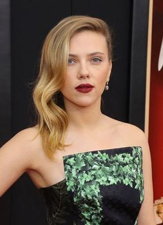 Scarlett Johansson in Rodarte Loving both her hair and makeup!