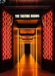 Bompas and Parr creates fine English jellies and curates spectacular culinary events. Bar Interior, Restaurant Interior Design, Neon Lighting, Lighting Design, Club Lighting, Bompas And Parr, Nightclub Design, Deco Restaurant, Café Bar