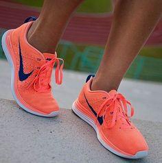 Nike shoes Nike roshe Nike Air Max Nike free run Nike USD. Nike Nike Nike love love love~~~want want want! Nike Running, Nike Jogging, Running Sneakers, Running Tips, Nike Shoes Cheap, Nike Free Shoes, Nike Shoes Outlet, Cheap Nike, Toms Outlet