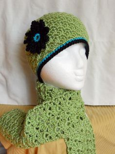 Gray Kitty Boutique Hat and Scarf Set