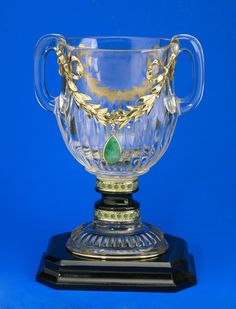 Henkel-Pokal1 mit Smaragd