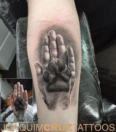 - Hand Pfote Hund Hand Hund Pfote Tattoo Power Studios Tattoo-Shops Porto Matosinhos Portugal Bestes S - Dog Tattoos, Animal Tattoos, Body Art Tattoos, Boxer Dog Tattoo, Tattoo Inc, Tattoo Shop, Tiny Tattoo, Tattoo Studio, Tattoo Bauch