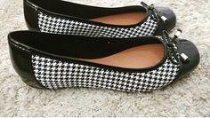 Sábado é dia de descer do salto! E com esta chuvinha uma sapatilha dessas da @feminicesbsb vai super bem .  E por falar em @feminicesbsb você já está participando do sorteio? Procure a foto aqui no ig e siga as regrinhas!!! #sapatosmix #sapatos #shoes #sapatosfemininos #womenshoes #womenstyle #sapatilhas #shoestagram #shoeslover #shoesaddict #shoesaholic #loveshoes #amosapatos #loucaporsapatos #instashoes #instagram #instasapatos #instalike