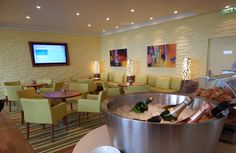 Review skyteam lounge in dubai