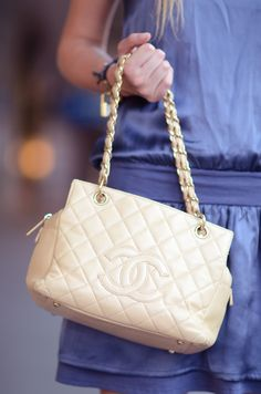 I seriously want this bag!