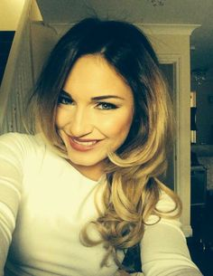 Sam Faiers.. hair.. makeup.. highlights..