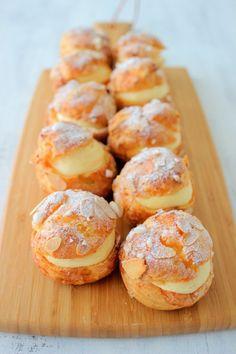 おうちにある材料で手軽にシュークリームを作ります。 Choux Cream, Breakfast Pastries, Profiteroles, Cafe Food, Pretzel Bites, Doughnut, Cupcake Cakes, Cupcakes, Minis