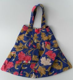 Floral, Pleated, Handbag, Matching Glasses Case and Purse £25.00