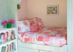 Bed nook, super cozy - could build for Savannah Bed Nook, Childrens Beds, Cozy Bed, Little Girl Rooms, Kid Beds, Kids Decor, Kids House, Duvet Cover Sets, Interior Inspiration