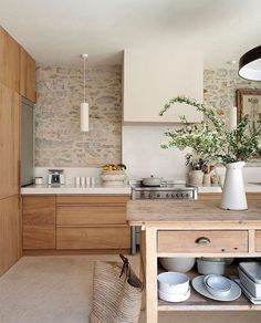 Stone walls in the kitchen