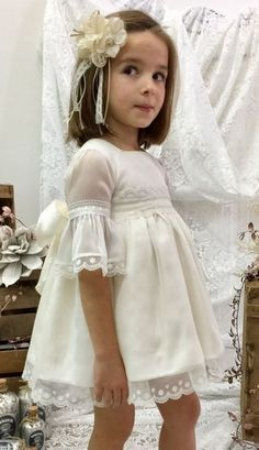 I know it's not tween,but this little girl is so pretty in her lovely outfit - and knows it! Fashion Kids, Little Girl Fashion, Little Girl Dresses, Flower Girls, Flower Girl Dresses, Beautiful Little Girls, Girl Inspiration, Wedding With Kids, Dream Dress