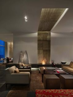 A luxury minimalist penthouse set in a prominent high-rise was transformed by Cecil Baker + Partners, located in Philadelphia, Pennsylvania. Style At Home, Luxury Apartments, Luxury Homes, Luxury Penthouse, Living Room Interior, Living Room Decor, Living Rooms, Penthouse Apartment, Fireplace Design
