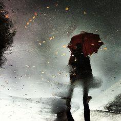 hypnotic image Umbrella Art, Under My Umbrella, Umbrellas Of Cherbourg, Rainy Day Photos, Rain And Thunderstorms, Arte Black, I Love Rain, Rain Days, Under The Rain