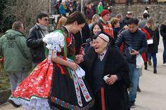 Rimóci viselet Hungarian Embroidery, Folk Dance, Hungary, Victorian, Vintage, Dresses, Fashion, Vestidos, Moda