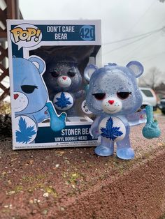 Please allow weeks to complete! I also take commissions for custom funko pops 😊 Blue glittered stoner bear along with a matching box. Incased in a new box design as well! The box will also come in a soft protector Stoner Room, Stoner Art, Rauch Fotografie, Cannabis, Glass Pipes And Bongs, Custom Funko Pop, Puff And Pass, Bad Girl Aesthetic, Stoner Girl