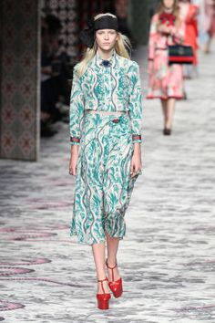 Gucci Spring 2016. Keep up with the best looks from Milan fashion week: