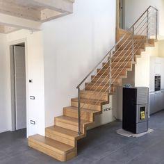 scale a sbalzo magnani e ricci Stair Railing Design, Home Stairs Design, Stair Layout, Glass Stairs, Steel Stairs, Modern Stairs, Scale Design, House Stairs, Floor Design