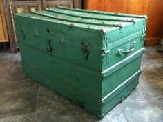 OOOO>>>My next project; got several old trunks!