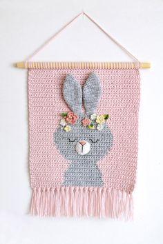 Pixel Crochet, Crochet Lion, Crochet Elephant, Newborn Crochet, Crochet Bunny, Crochet For Kids, Diy Crochet Wall Hanging, Crochet Wall Hangings, Tapestry Crochet