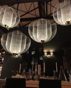 e salon du meuble de Milan, c'est parti! #moooi #salondelmobile#salonedelmobile2018 #salondumeble #milan #milano #luce #light #suspension
