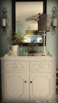 Bella Nest: thrift store table makeover