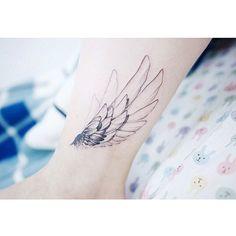 : Wings on ankle ☄️ . . #tattooistbanul #tattoo #tattooing #wing #wingtattoo #blacktattoo #타투이스트바늘 #타투 #날개타투