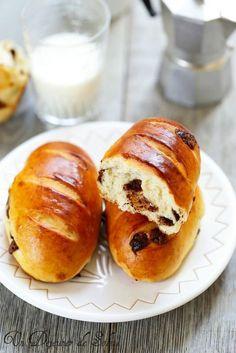 Un dejeuner de soleil: Viennois au chocolat comme à la boulangerie