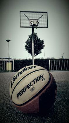 Wallpaper Basketball court outside