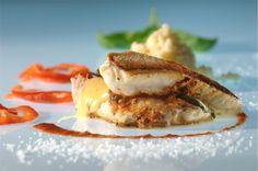 Een overheerlijke lasagne van rode poon met brugge blomme, couscous en een coulis van paprika, die maak je met dit recept. Smakelijk!
