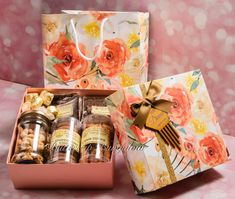 Amazing looking Gift boxes with carry bags for Diwali gifting season Place your orders with Buttercup Bungalow Diwali Gift Box, Diwali Gift Hampers, Diwali Party, Diwali Gifts, Fruit Packaging, Cookie Packaging, Gift Box Packaging, Food Packaging Design, Diwali Food