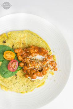 Wegańskie śniadanie z dużą zawartością białka? Postaw na ciecierzycę! Dzisiaj przepis na mój ulubiony wegański omlet zrobiony z ciecierzycowej mąki - 100g mąki z ciecierzycy to aż 26gbiałka. Taki ...