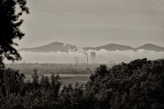 Morning fog above river Rhine near Bonn.  Nikon D700 and Zoom-Nikkor 2,8 70-200 mm with tele converter TC 20 E III - effective focal lenght 330 mm.
