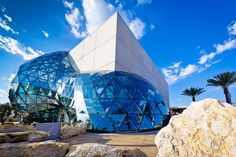 The Dali Museum in St. Petersburg, Florida has moved to a new location in a beautiful new Salvador Dali inspired building designed by HOK. The new museum Salvador Dali Museum, St Petersburg Florida, Saint Petersburg, Architecture Cool, Contemporary Architecture, Cultural Architecture, Dali Museum Florida, The Places Youll Go, Places To Go