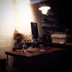 "@golfphlat on Instagram: ""#cafehoppingBKK #newcafeinBKK อีกร้านที่ตั้งใจเเละหลบอยู่ในซอกหลืบ @couple_cups ☕️ #ramintra73 #LaMarzocco"""