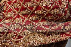Zardosi Embroidery, Hand Work Embroidery, Embroidery Designs, Khada Dupatta, Pakistan Bride, Dulhan Dress, Indian Designer Wear, Indian Wear, I Dress