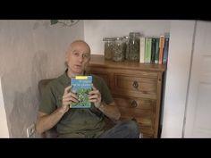 """Gilles Corjon - herboriste et enseignant hors pair. Il a écrit un livre relativement récent qui s'appelle """"Se soigner par les plantes"""". Je vous en parle dans cette vidéo. L'expérience d'une vie capturée dans un petit livret compact qui coûte 7,50€ - qui dit mieux ?"""