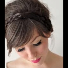 A braided headband! So simple, but so elegant:)