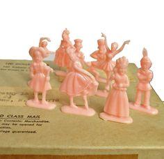 6pcs TINY PLASTIC PEOPLE 1960s Vintage by cOveTableCuriOsitiEs
