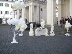 Composizione buffet + lancio palloncini uscita sposi, chiesa Santa Maria Assunta, Ariccia