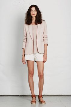 Light palette with blazer, sandals and shorts