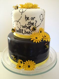 Gender Reveal Cake - He or She What Will it Bee?