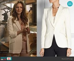 Paige's white blazer on Scorpion.  Outfit Details: https://wornontv.net/56659/ #Scorpion