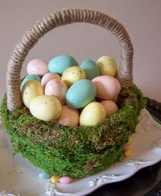 I'm totally going to make this moss basket!  Another great idea from Kimba!
