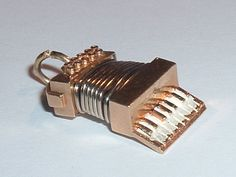 VINTAGE 14k GOLD 3D MOVEABLE MUSICAL ACCORDION CHARM