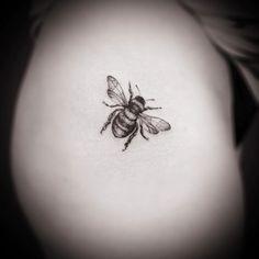 tiny tattoo of a bee tattoos Small Bee Tattoo Arm Tattoo, Skull Tatto, Tattoo Diy, Neck Tatto, Bumble Bee Tattoo, Honey Bee Tattoo, Mini Tattoos, New Tattoos, Small Tattoos