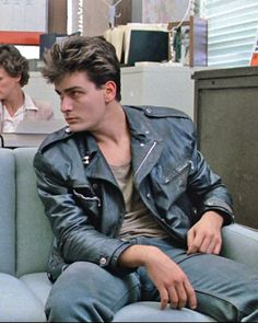 Boy in Police Station: Drugs? Jeannie: Thank you, no. Boy in Police Station: I meant, are you in here for drugs? Jeannie: Why are you here? Boy in Police Station: Drugs. - Charlie Sheen in Ferris Bueller´s Day Off Ferris Bueller, 80s Movies, Great Movies, 1980s Films, Iconic Movies, Charlie Sheen Young, Love Movie, Movie Tv, Movie Duos