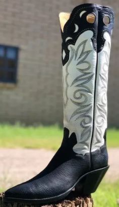 High Heel Cowboy Boots, Custom Cowboy Boots, Western Boots, Buckaroo Boots, Bar Outfits, Cowgirl Hats, Sexy Cars, Cool Boots, Men S Shoes