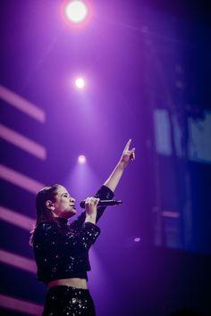Ariana Grande, Van, Celebs, Motivation, Concert, Board, Celebrity, Fotografia, Famous People