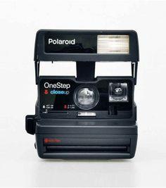 Achetez votre polaroid 600 des années 80 remis à neuf spécialement pour lavantgardiste.com