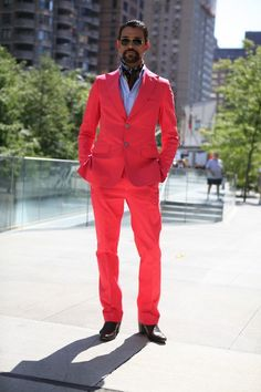 street shot New York Fashion Week . love a good tailored suit and a man that can pull off PINK! Gangster Style, Groom Fashion, Tailored Suits, Men Clothes, Printed Silk, Groom Style, Straight Leg Pants, Facial Hair, Anonymous